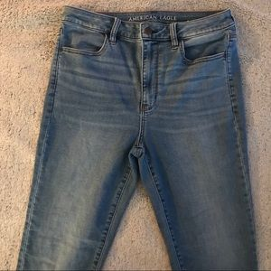 Light Wash High Waisted American Eagle Jeans